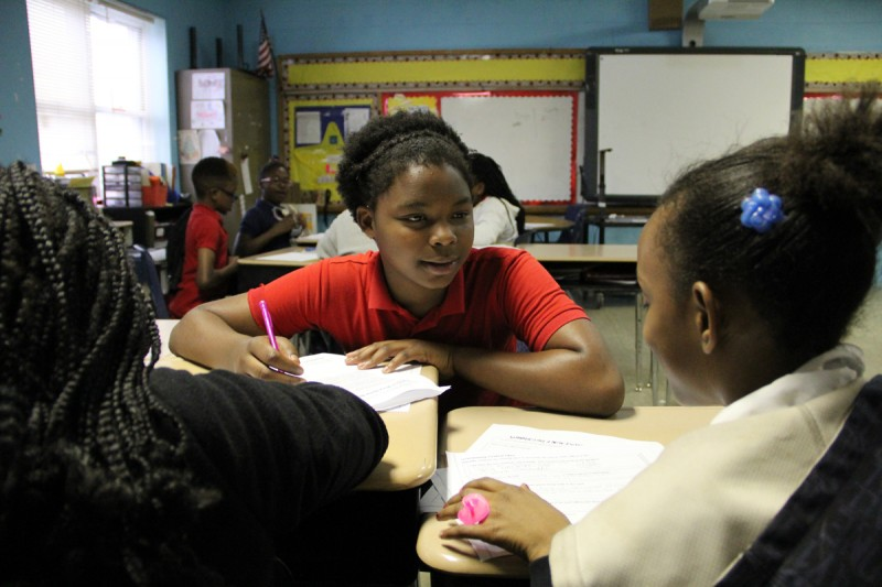 Students in Shana Cunningham's fourth-grade reading class discuss a nonfiction passage.