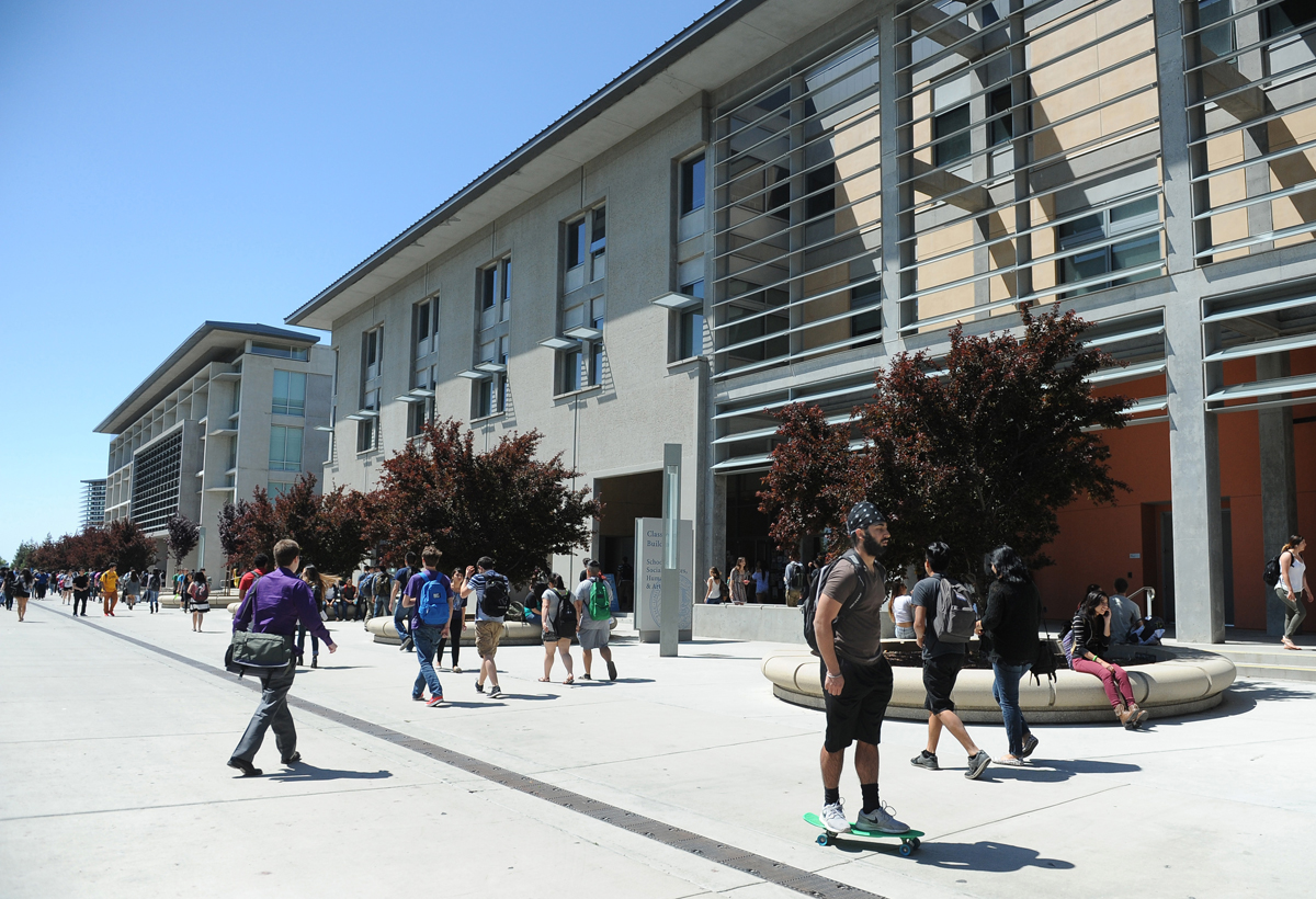 Economists find free community college can backfire