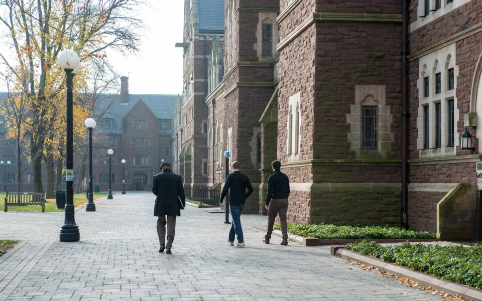 The rich-poor divide on America's college campuses is