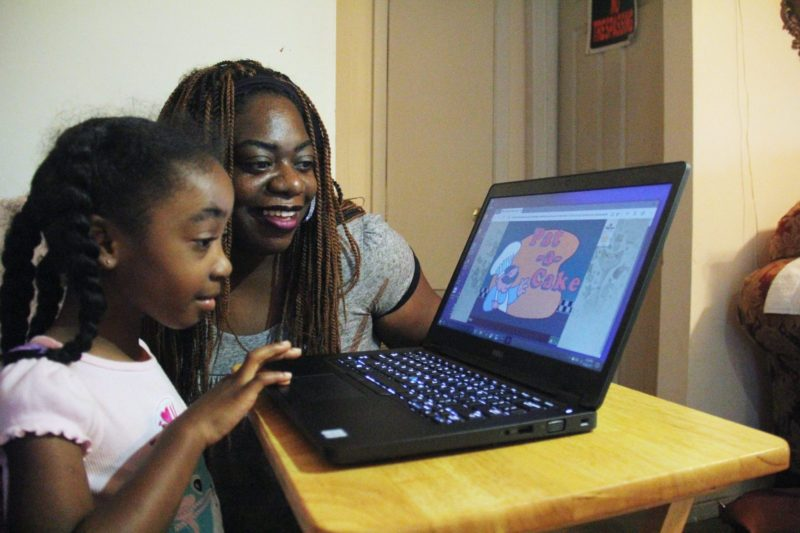 Can 15 minutes on a computer help prepare children for preschool?