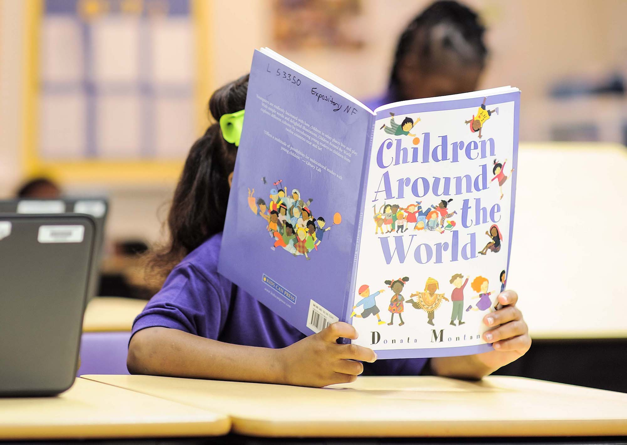 Teaching children to read isn't easy. How do kids actually learn to read?