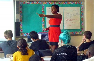 Assistant Principal Tracee Murren leads ninth-grade Algebra 1 students at the Kingsborough Early College Secondary School in Brooklyn in a discussion about how to make a graph. (Photo: Sarah Garland)