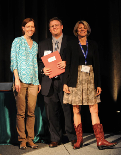 The Hechinger Report won numerous awards at EWA's annual seminar in Nashville this spring. Winner Sarah Carr and Hechinger Report editor Liz Willen with EWA president and Chalkbeat writer Scott Elliott.